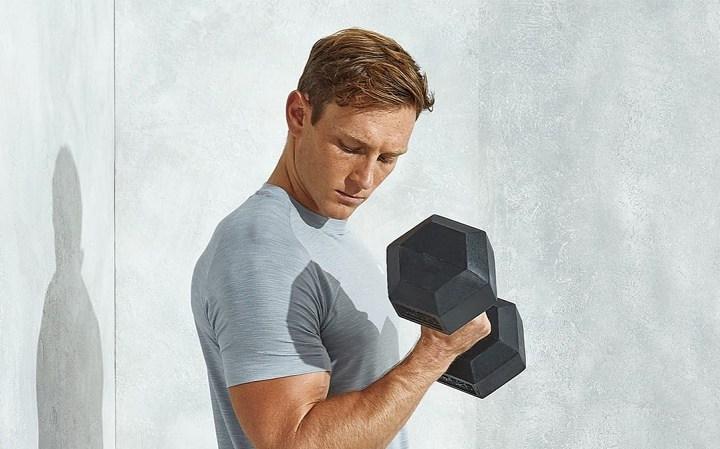 ورزش با دمبل - آیا می توانیم با دمبل عضله بسازیم