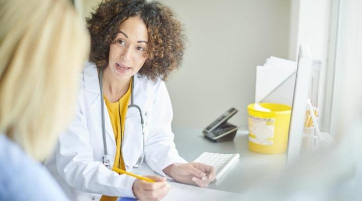 خشکی واژن _ چه زمانی باید به پزشک مراجعه کرد؟
