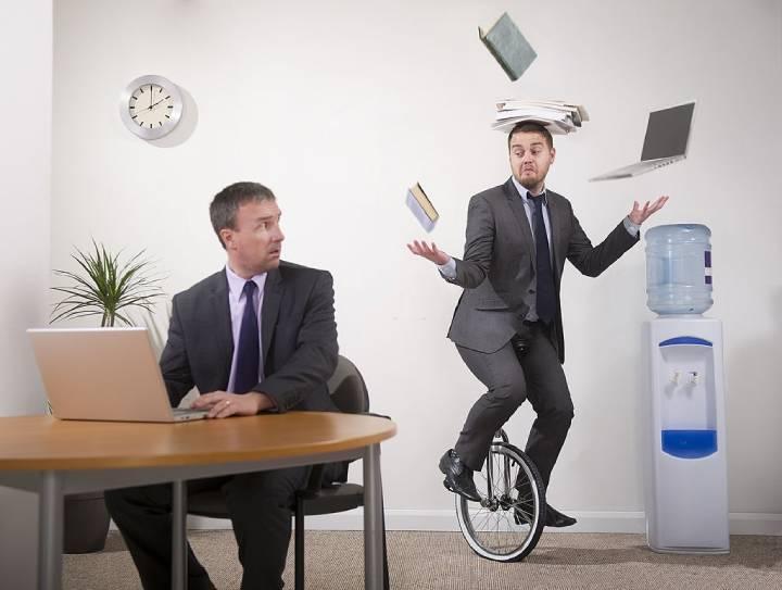 خودشیرینی در محیط کار برای رئیس