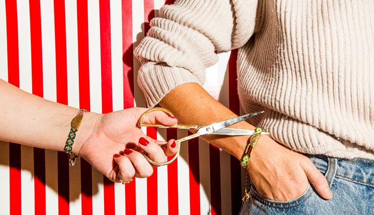 پاره کردن دستبند دوستی