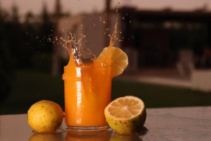 آبمیوه طبیعی مانع چربی سوزی شکم و پهلو است