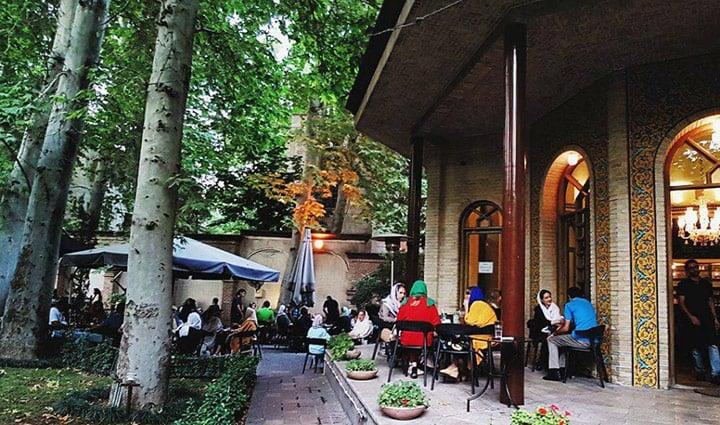 کافه روباز چای بار دزاشیب - کافه روباز در تهران
