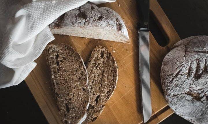 نان سبوس دار از یک میان وعده برای ورزشکاران
