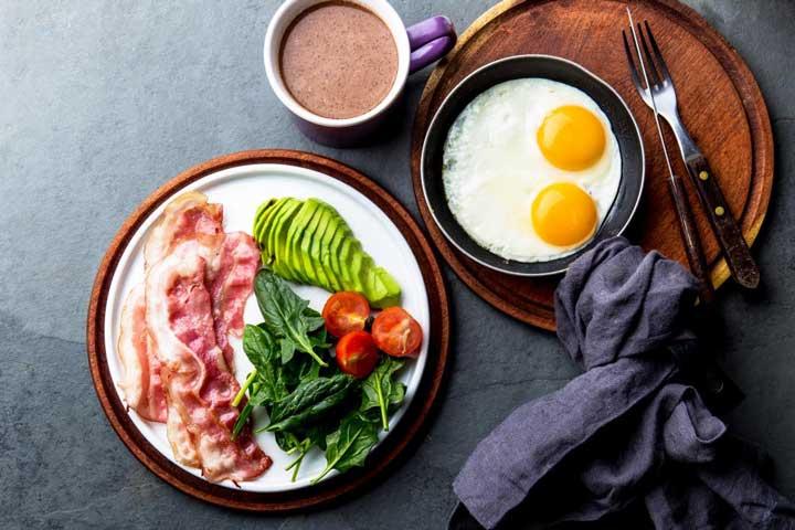 تخم مرغ و آووکادو در رژیم غذایی کتوژنیک