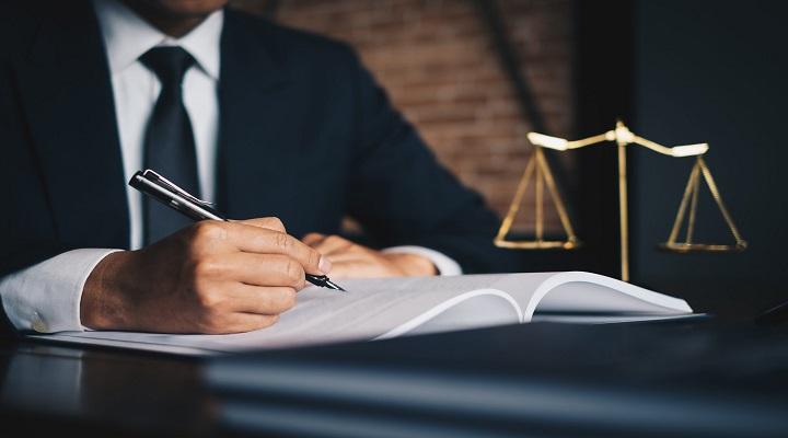 وکالت شغل مناسبی برای افراد برون گرا