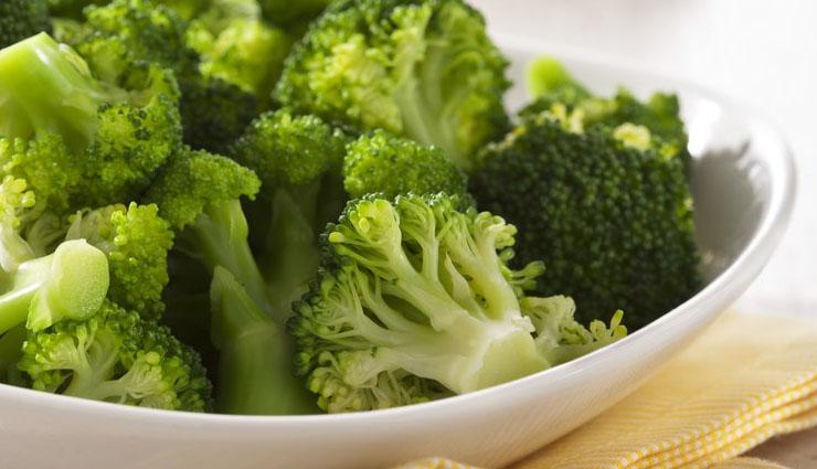 علت صدای شکم - پرهیز از غذاها و نوشیدنیهایی که گاز تولید میکنند یک راه درمان است