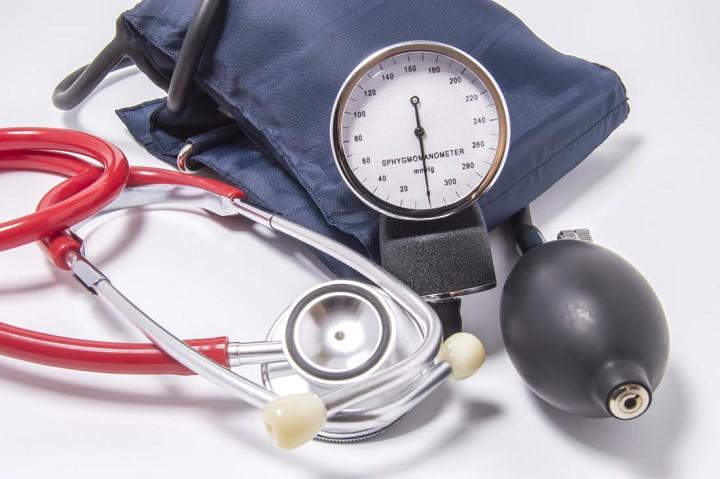 اندازه گیری فشار خون با فشار سنج دستی یا عقربه ای