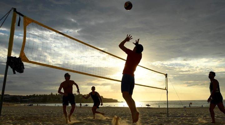 ورزش های تابستانی توپی _ والیبال ساحلی