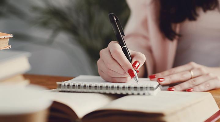 دفتر خاطرات هدیه ارزشمند برای افراد افسرده