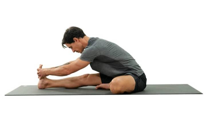 حرکت کششی زانو بعد از ورزش