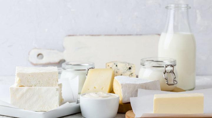 چربی اشباع نشده و چربی اشباع شده - چربیهای اشباع در محصولات حیوانی مانند شیر، پنیر و گوشت یافت میشود.