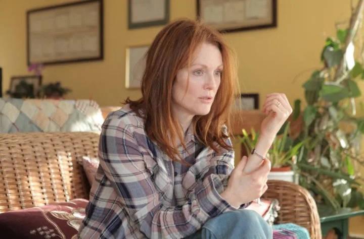 هنوز آلیس، فیلم با موضوع بیماری روانی
